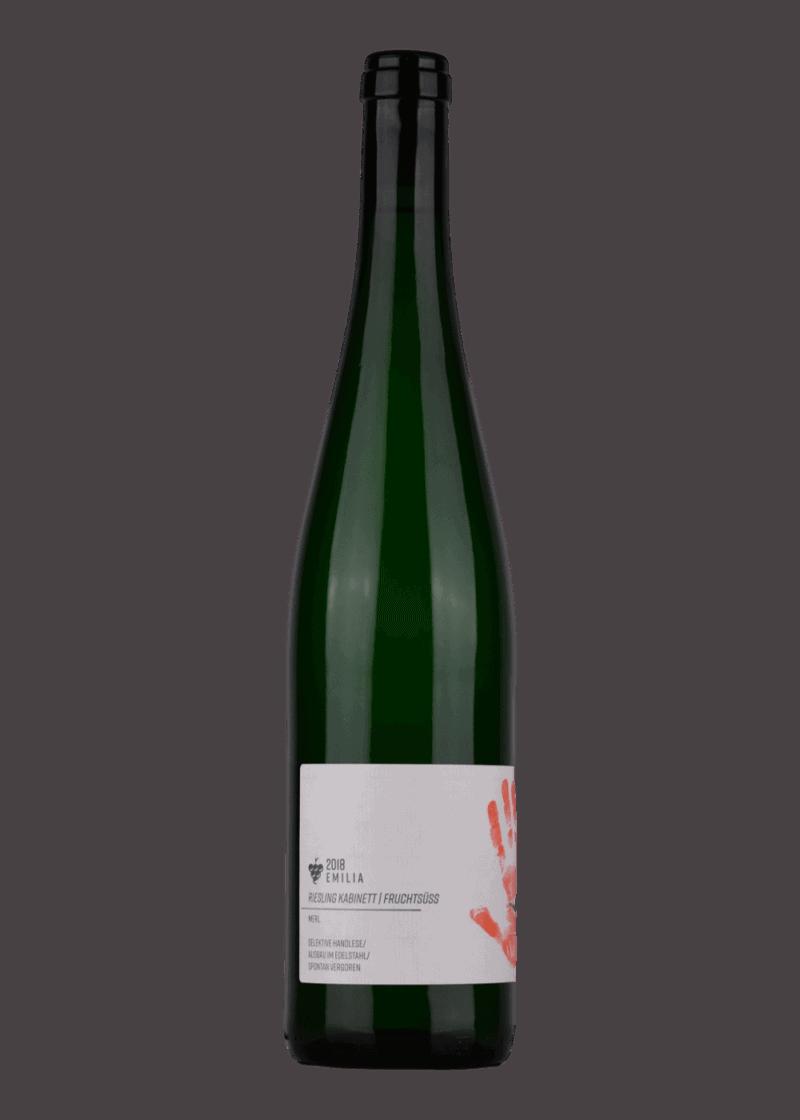 Weinflasche Riesling Emilia Kabinett von Wagner von Wohlgemutheim
